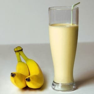 how many calories does a banana smoothie have featured