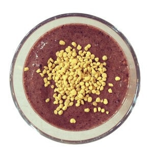 bee pollen smoothie featured