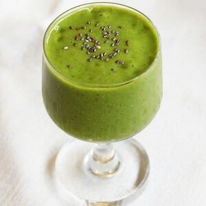 chia spinach smoothieeatured