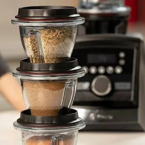 grinding spices in a vitamix blender